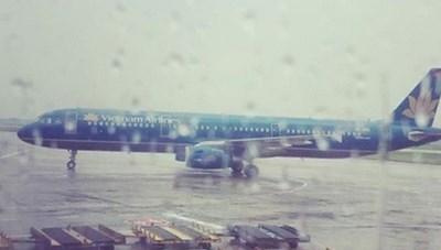 Đang kiểm tra kỹ thuật máy bay, thợ máy bị sét đánh tử vong