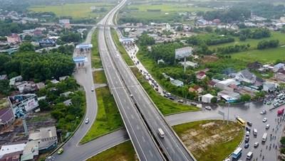 Thu phí cao tốc Bắc – Nam: Không có chuyện phí chồng phí