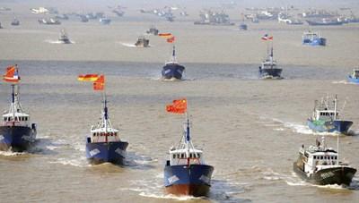Malaysia bắt 6 tàu cá, 60 người Trung Quốc xâm phạm vùng biển