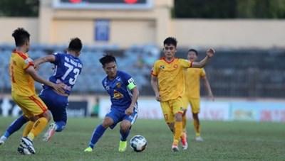 4 CLB không đủ điều kiện cấp phép dự V.League