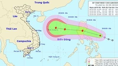 Áp thấp nhiệt đới tiếp tục mạnh thêm, đang hướng vào Biển Đông