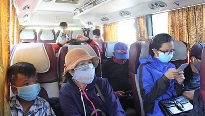 Yêu cầu hành khách đeo khẩu trang trên mọi phương tiện giao thông công cộng