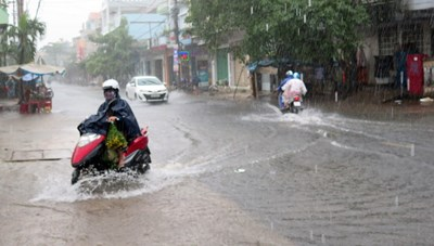 Bão số 8 gây mưa to các từ tỉnh Nghệ An đến Thừa Thiên - Huế