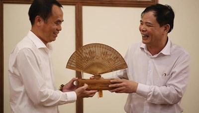 Bộ trưởng Nguyễn Xuân Cường thăm Bảo tàng Trầm Hương