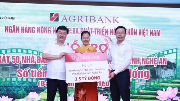 Hơn 21 tỷ đồng hỗ trợ xây dựng 300 nhà tình nghĩa tại Nghệ An