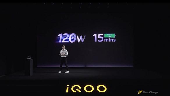 Ra mắt công nghệ sạc nhanh 120W, sạc đầy pin 4000 mAh trong 15 phút