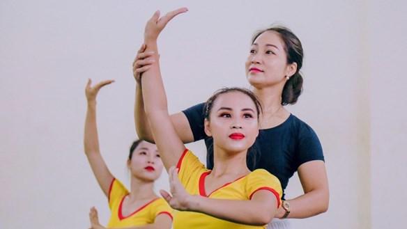 Đào tạo múa, vẫn khó