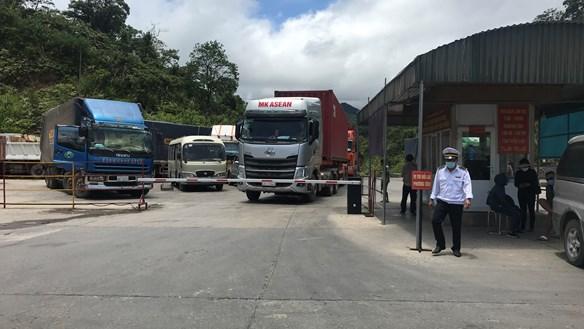 Hà Tĩnh: 'Lỗ hổng' từ việc nới lỏng cho lái xe qua cửa khẩu Cầu Treo