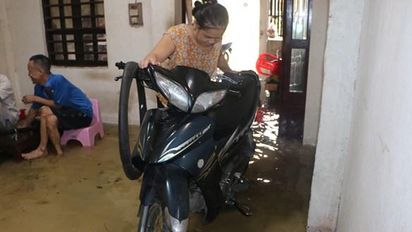[ẢNH]Mưa lớn, TP Hà Tĩnh 'thất thủ'