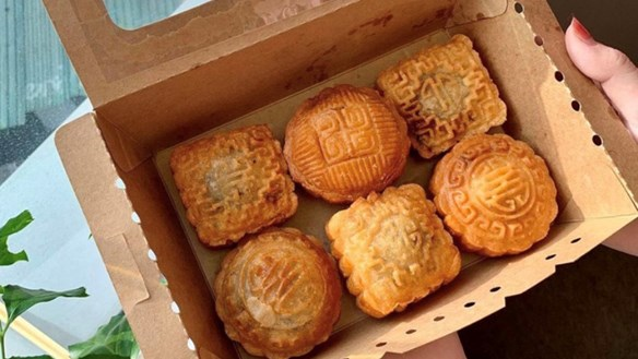'Độc' và 'lạ', bánh rán Trung thu cho Tết đoàn viên