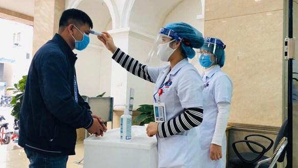 Thắt chặt quy trình phòng dịch tại các bệnh viện ở Hà Nội