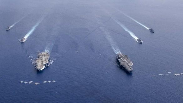[ẢNH] Màn phô diễn sức mạnh của 2 tàu sân bay Mỹ tập trận tại Biển Đông