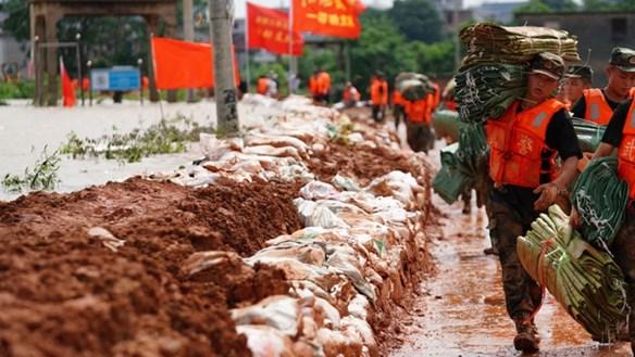 Nước 200 sông Trung Quốc vượt báo động, ông Tập lệnh dồn lực đối phó lũ