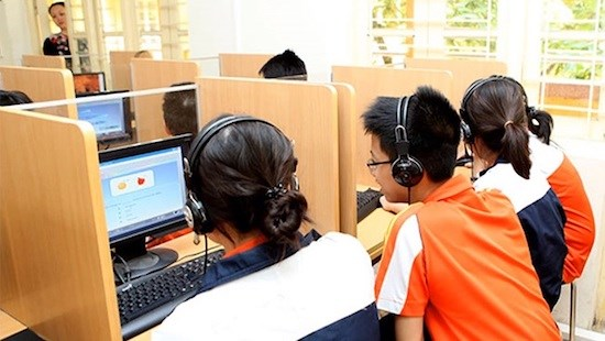 Trẻ em vẫn bơ vơ trong môi trường mạng