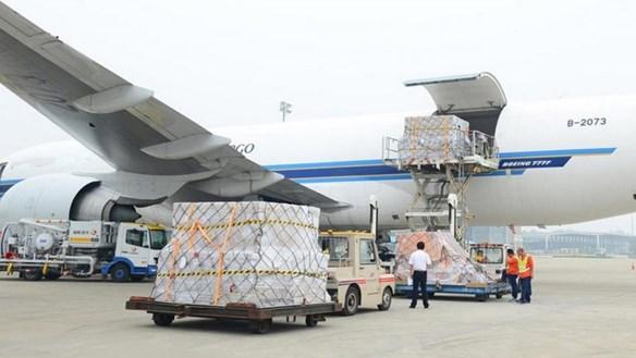 Bị xe đâm tử vong tại... sân bay Nội Bài
