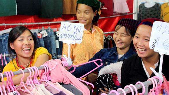 Hàng Việt 'vượt dốc'
