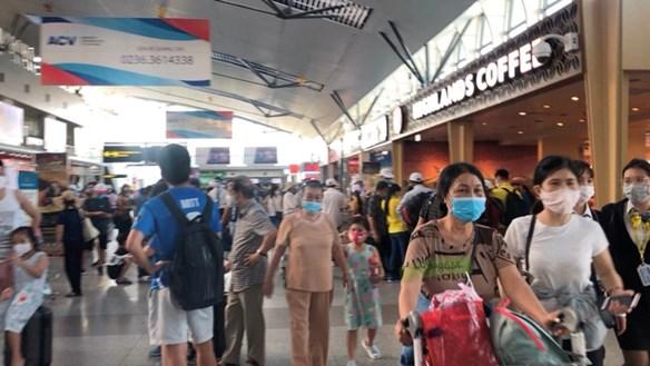 Gần 2.000 khách du lịch chưa thể rời Đà Nẵng