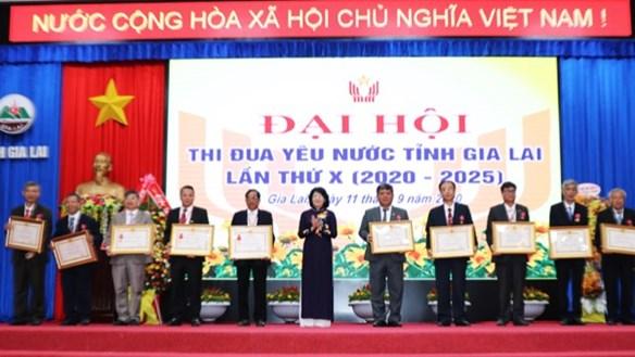 Phó Chủ tịch nước Đặng Thị Ngọc Thịnh dự Đại hội thi đua yêu nước tỉnh Gia Lai