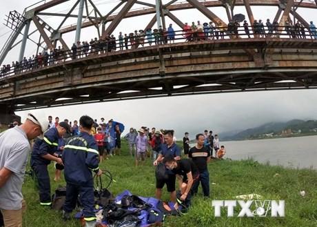Nhảy xuống sông cứu người, tài xế xe tải bị đuối nước cùng nạn nhân