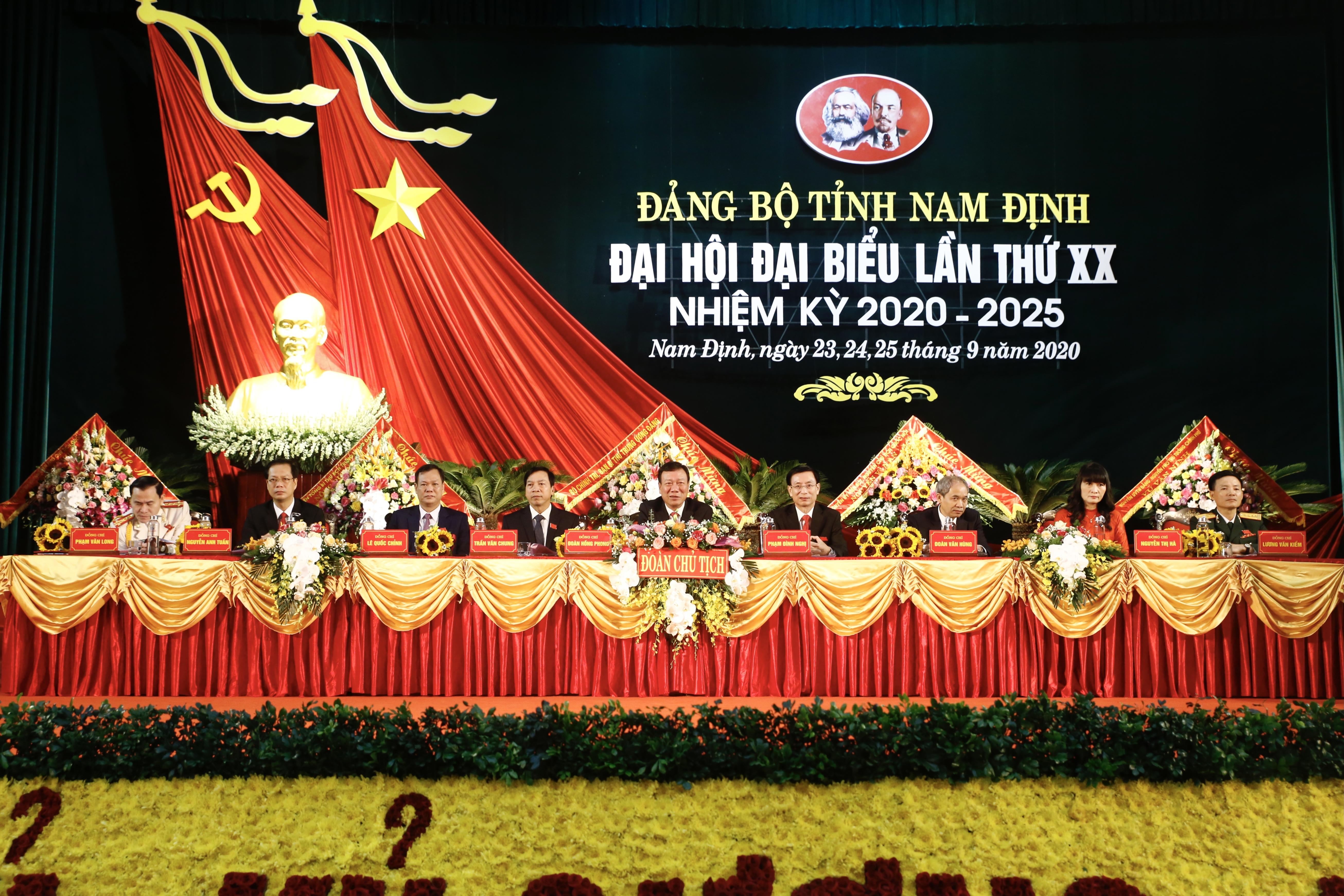 Sáng nay, 25/9, Đại hội Đảng bộ tỉnh Nam Đinh công bố kết quả bầu cử nhân sự chủ chốt.