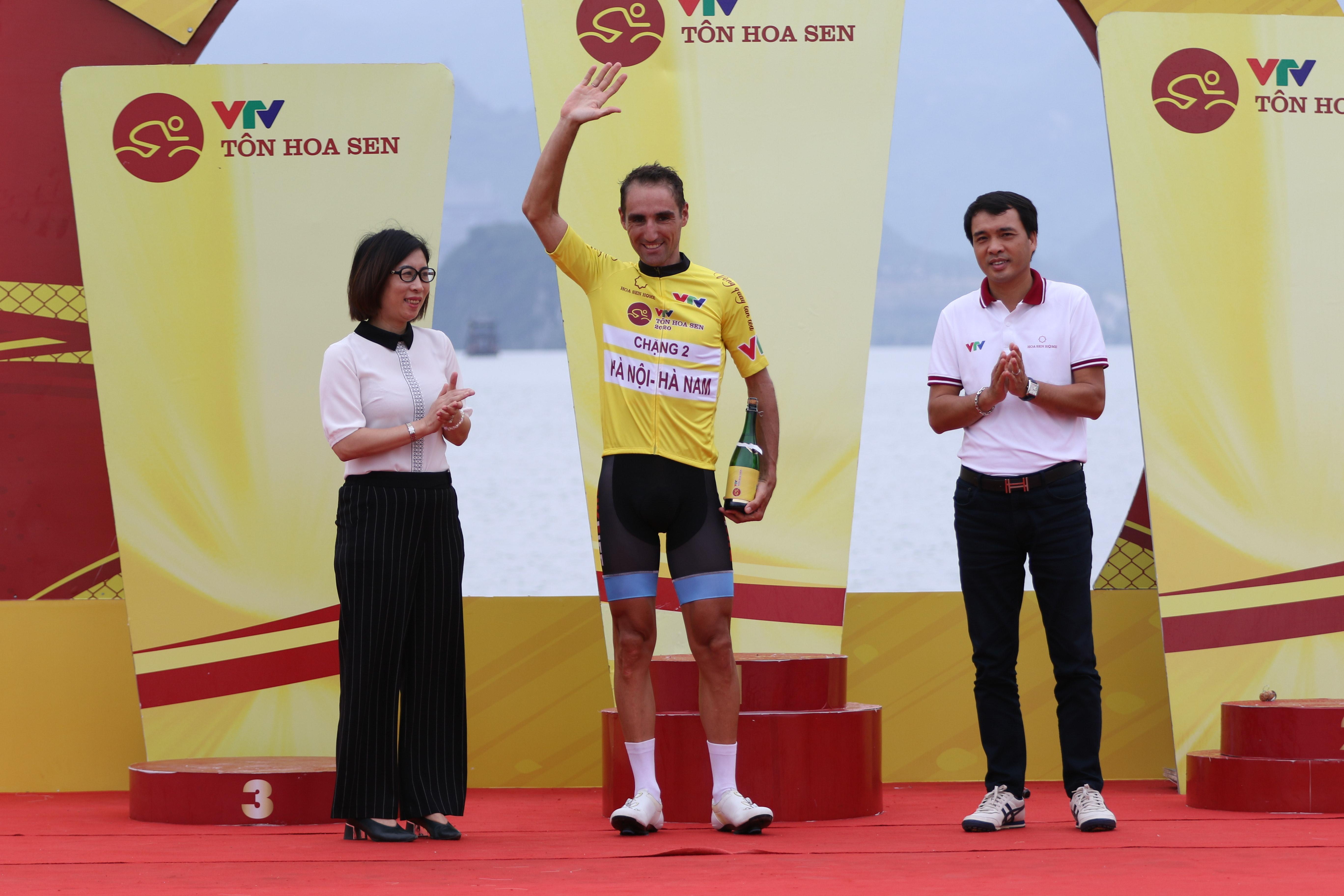 Tay đua người Pháp Loic Desriac (đội Bike Life Đồng Nai) đã giành chiến thắng tại chặng 2.