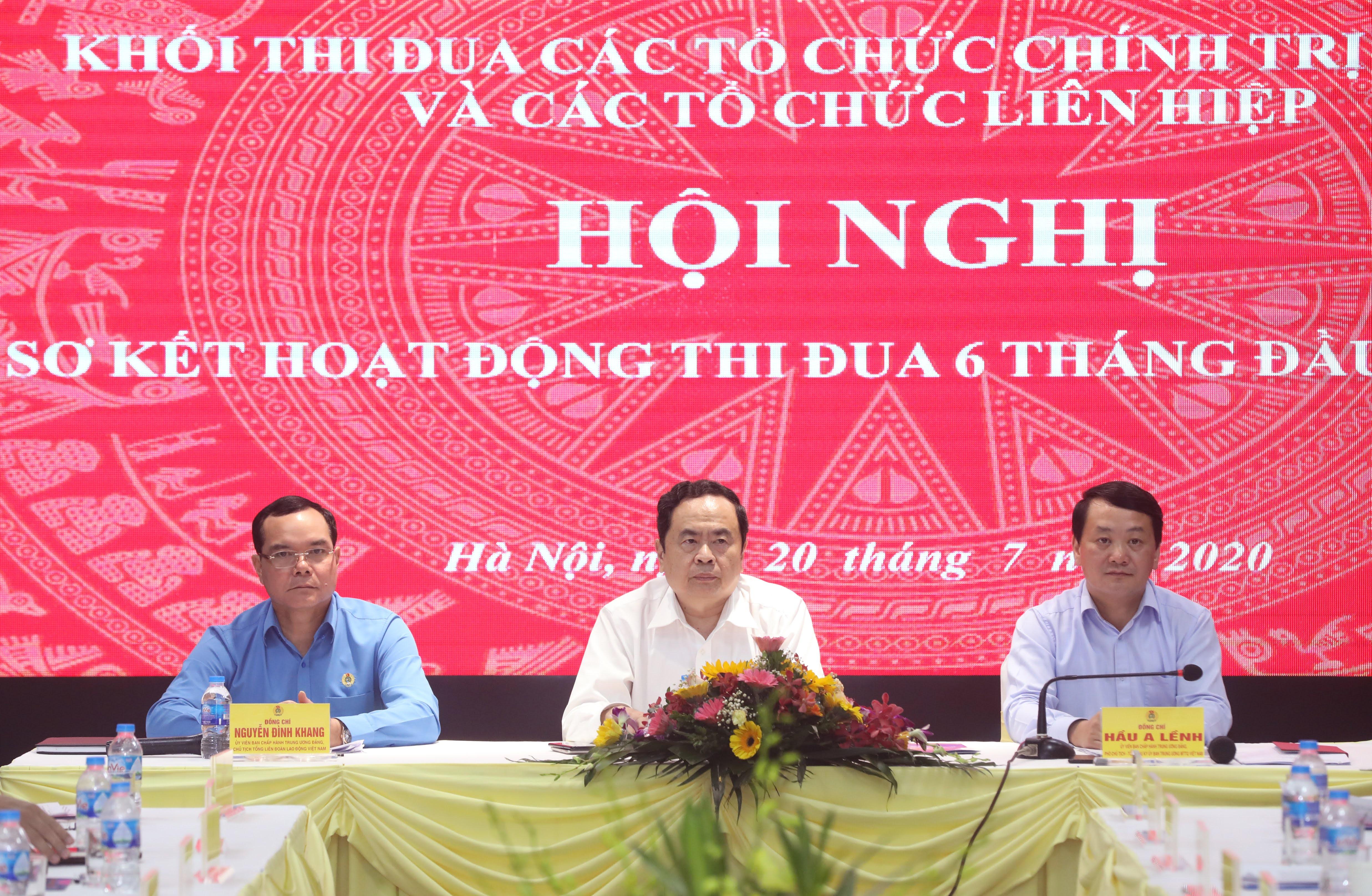 Chủ tịch Trần Thanh Mẫn chủ trì Hội nghị. Ảnh: Quang Vinh.