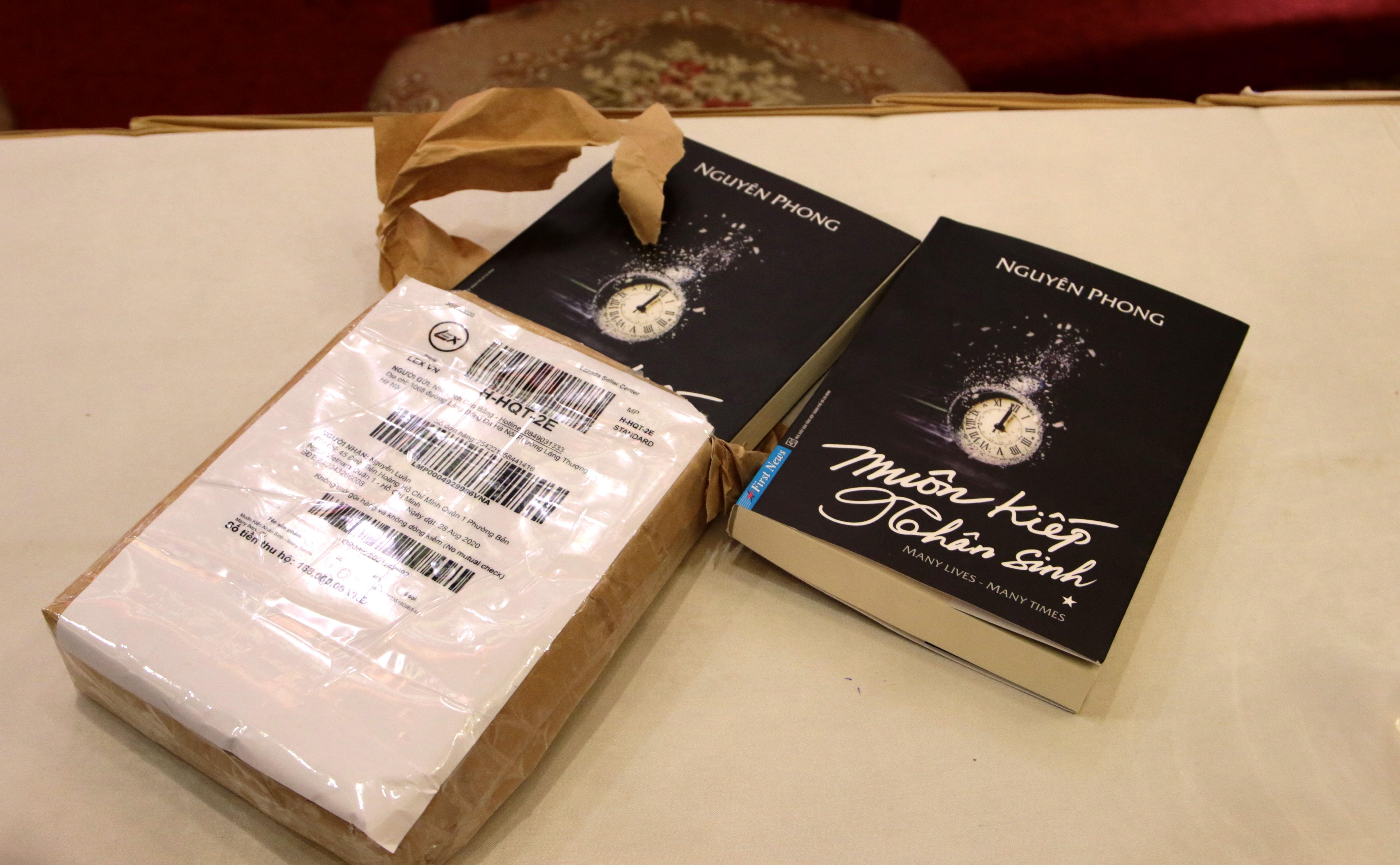 Cuốn sách Muôn kiếp nhân sinh giả được mua trên trang Lazada.