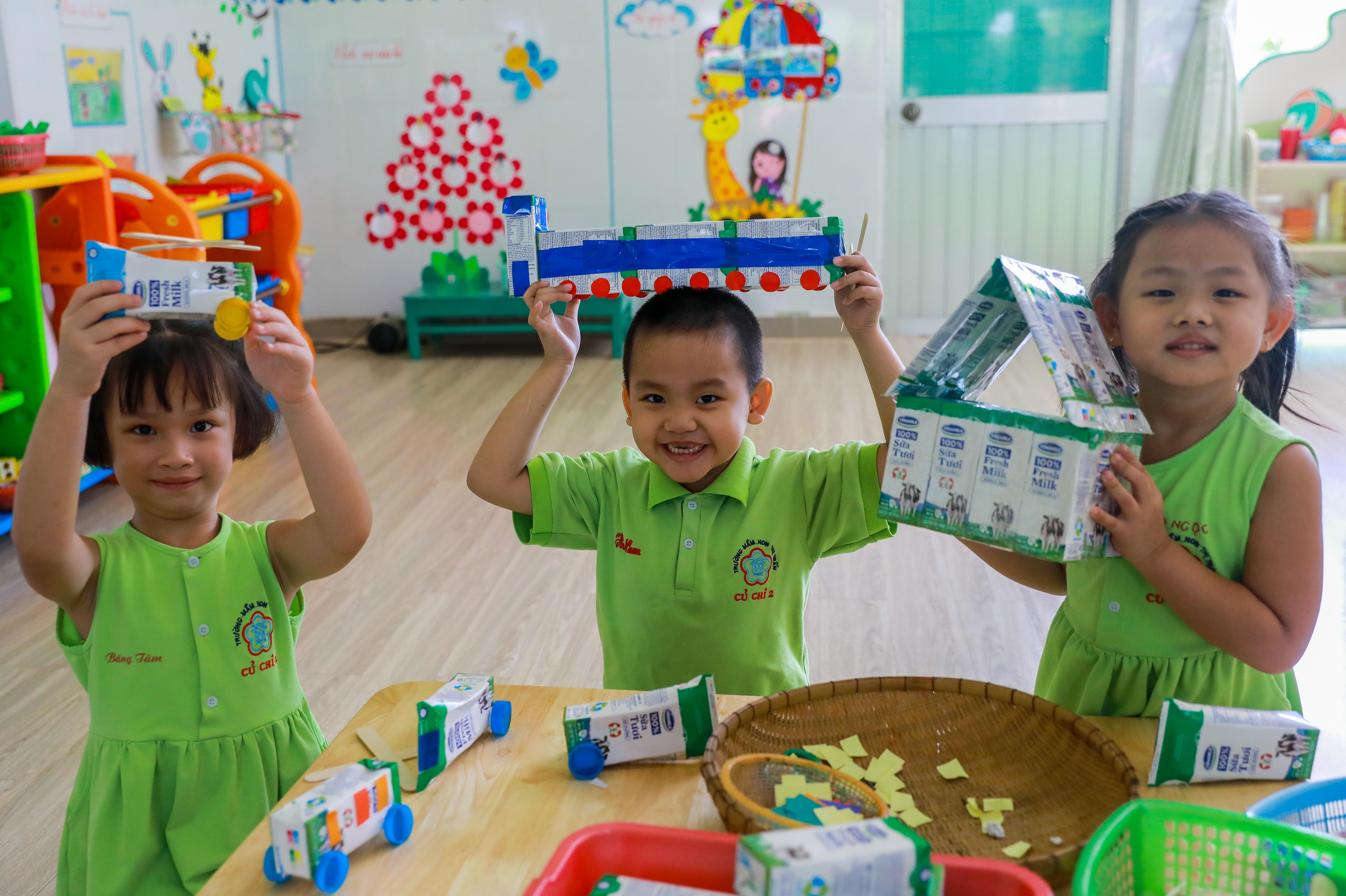 Chương trình SHĐ với nhiều hoạt động thú vị đã ngày càng thu hút nhiều em học sinh trường Tiểu học Thị Trấn Củ Chi 2 tham gia.