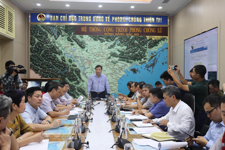 Tổng cục trưởng Tổng cục PCTT - Phó trưởng Ban chỉ đạo TW PCTT Trần Quang Hoài chủ trì cuộc họp
