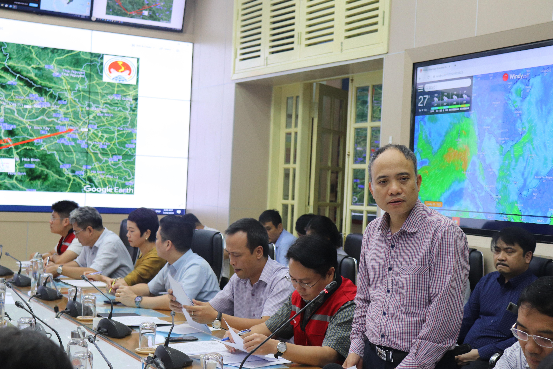 Ông Nguyễn Xuân Anh- Viện Trưởng Viện Vật lý địa cầu báo cáo nhanh tình hình động đất ở Sơn La.