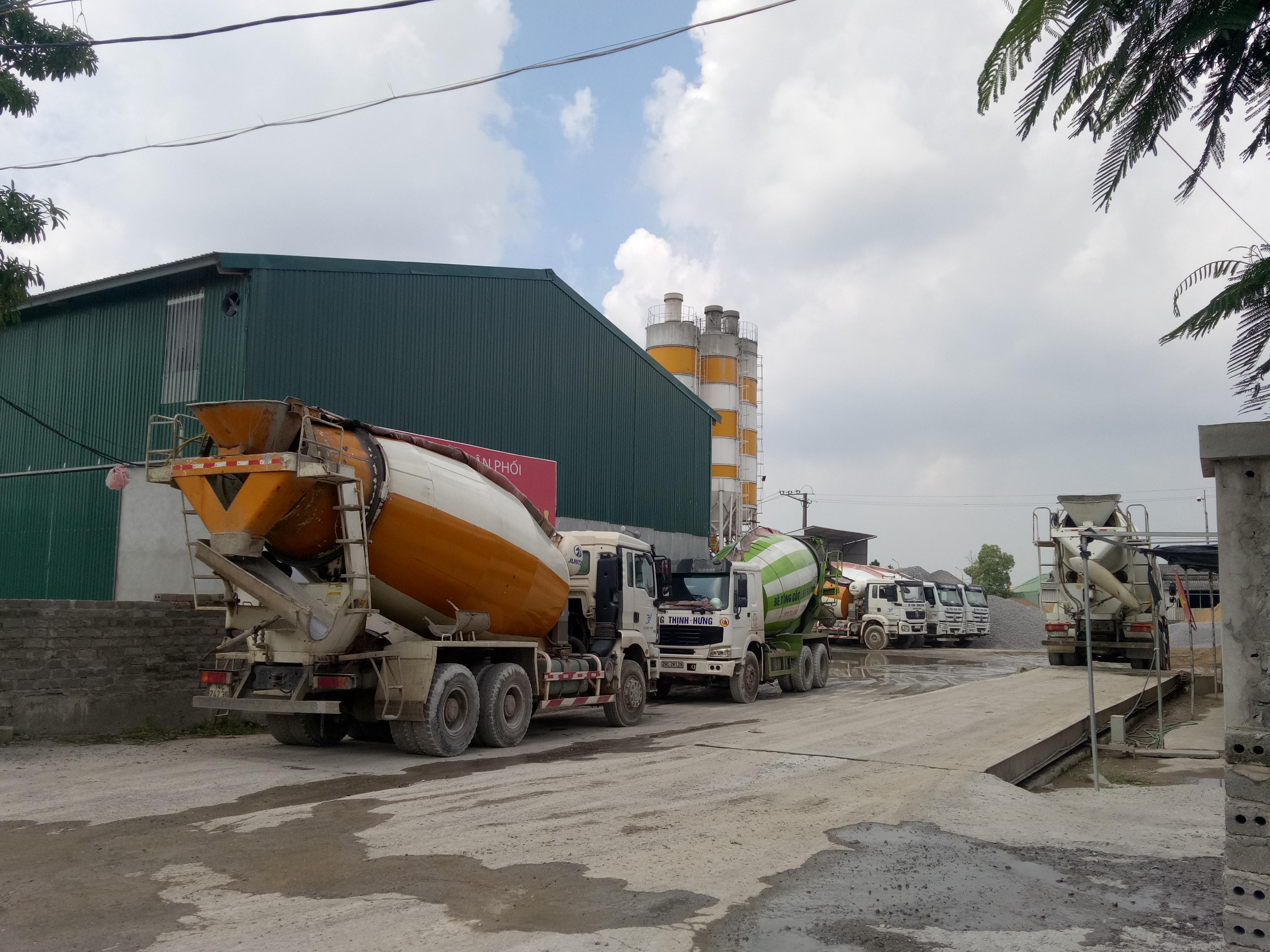 Trạm trộn bê tông Thịnh Hưng ngang nhiên hoạt động không phép suốt nhiều năm.