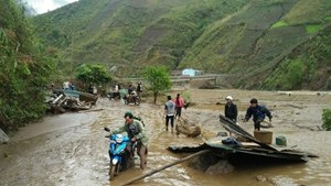 Các khu vực trên cả nước đề phòng khả năng xảy ra lốc, sét, mưa đá