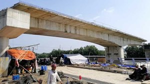 TP HCM: Gần 10 năm chưa làm xong 1 cây cầu