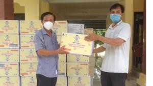 Mặt trận Quảng Nam tiếp nhận vật tư y tế phòng, chống dịch Covid-19