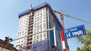 Hoàn thành phá dỡ tầng 18 tòa nhà 8B Lê Trực - Hà Nội