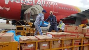 Bay Vietjet, mỗi hành khách ủng hộ 10.000 đồng cho đồng bào miền Trung