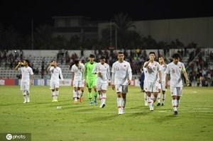 Báo Trung Quốc nói 'may mắn' khi đội nhà không gặp đội tuyển Việt Nam