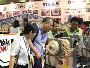 14 quốc gia tham gia triển lãm ngành công nghiệp dệt may