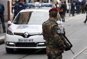 Pháp buộc tội nhiều đối tượng âm mưu tấn công khủng bố