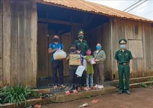 Đắk Nông: Bộ đội Biên phòng tặng 2 tấn gạo cho đồng bào nghèo vùng biên