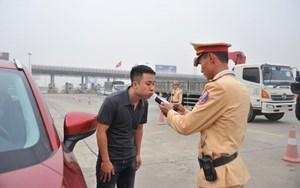 Lái xe đi vào cao tốc sẽ được kiểm tra nồng độ cồn