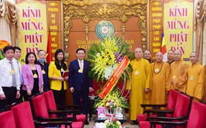 Bí thư Thành ủy Vương Đình Huệ chúc mừng Đại lễ Phật đản 2020