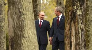 [VIDEO] Ông Putin nhảy tưng bừng cùng cựu Tổng thống Mỹ George W. Bush
