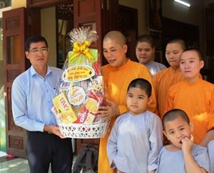 Mặt trận tỉnh Quảng Ngãi chúc mừng Đại lễ Phật đản 2020