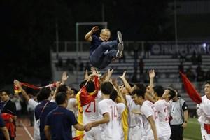 [ẢNH] Cảm xúc hạnh phúc của cầu thủ U22 Việt Nam trong chiến thắng lịch sử tại SEA Games