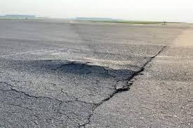 [VIDEO] Sân bay Nội Bài gặp 'bài toán khó' trong việc sửa chữa đường băng xuống cấp