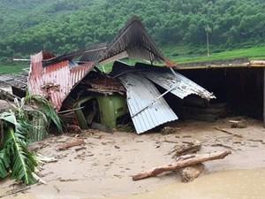 Mặt trận Trung ương hỗ trợ1 tỷ đồng giúp bà con vùng bão lũ