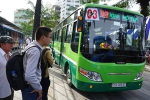 Tìm cách làm mới trợ giá xe buýt