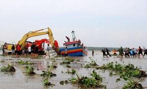 Giải cứu thành công tàu cá bị chìm trên đường vào cảng