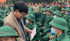 Thừa Thiên Huế: Trên 1.300 thanh niên lên đường nhập ngũ